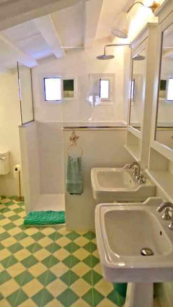 bedroom5bathroompic3